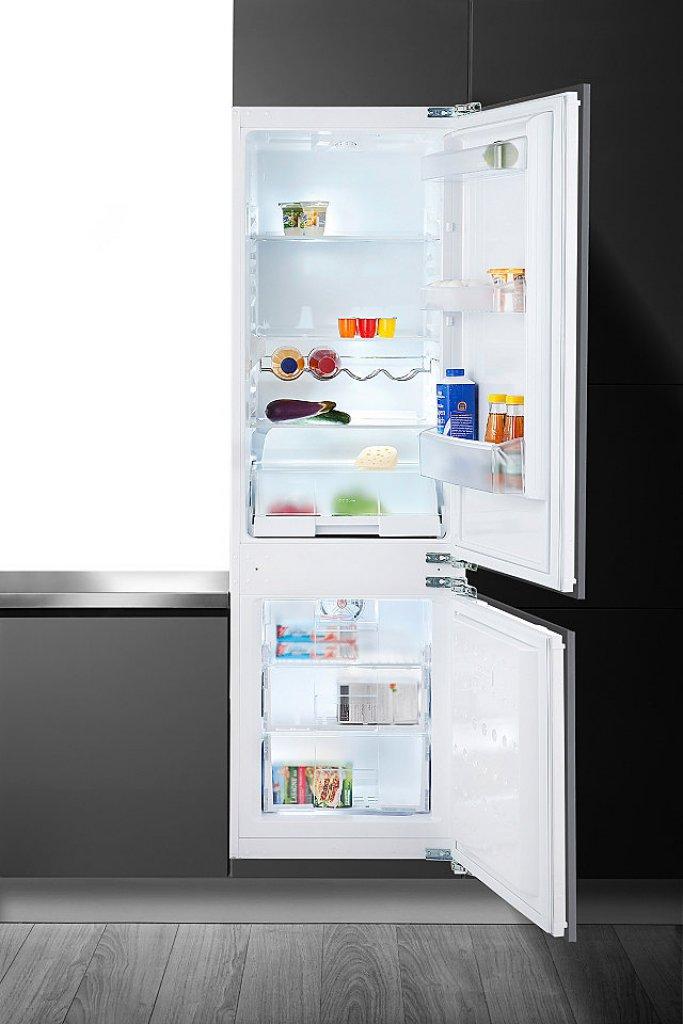 vestavná kombinovaná lednice BEKO CBI 7771 F zapojení zdarma