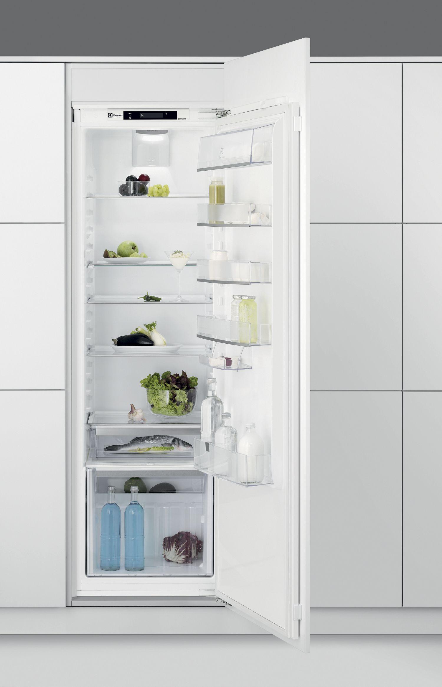 vestavná lednice ELECTROLUX ERC 3215 AOW zapojení zdarma